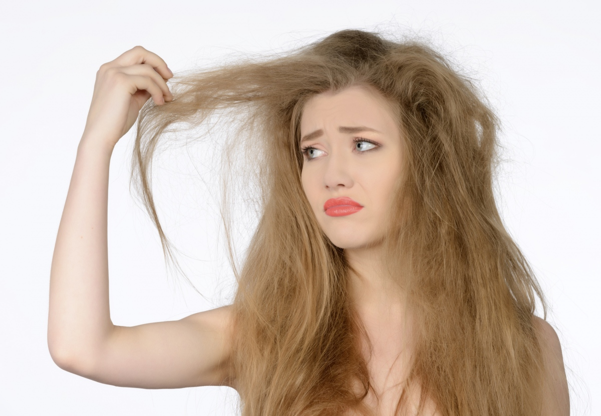 causes-of-frizzy-hair-favorable.jpg